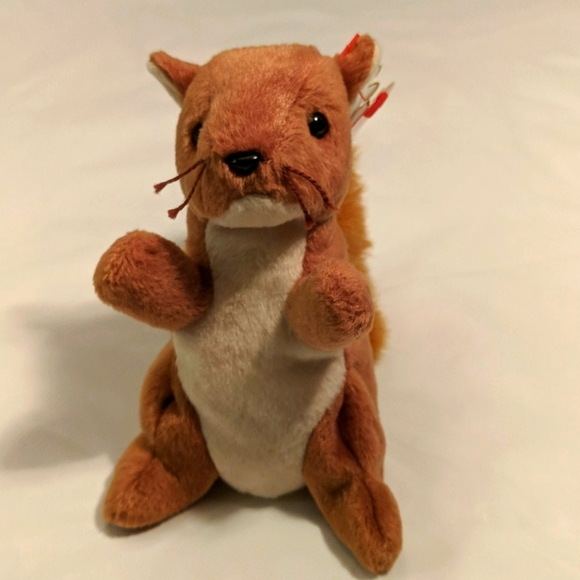 Beanie Baby  Nuts the Squirrel